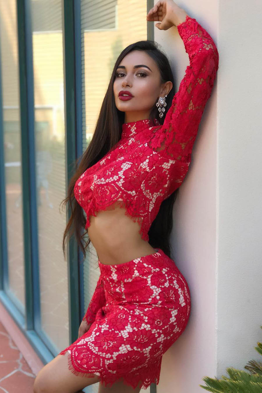 Kamila brunette escort girl