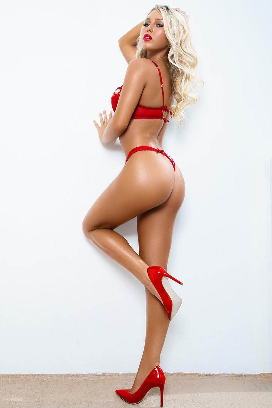 TOP model Aelita