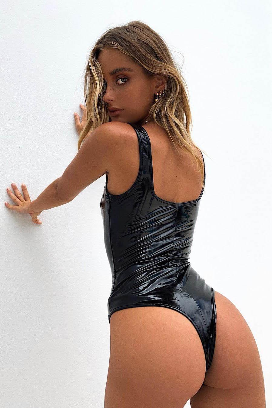 Блондинка Наташа