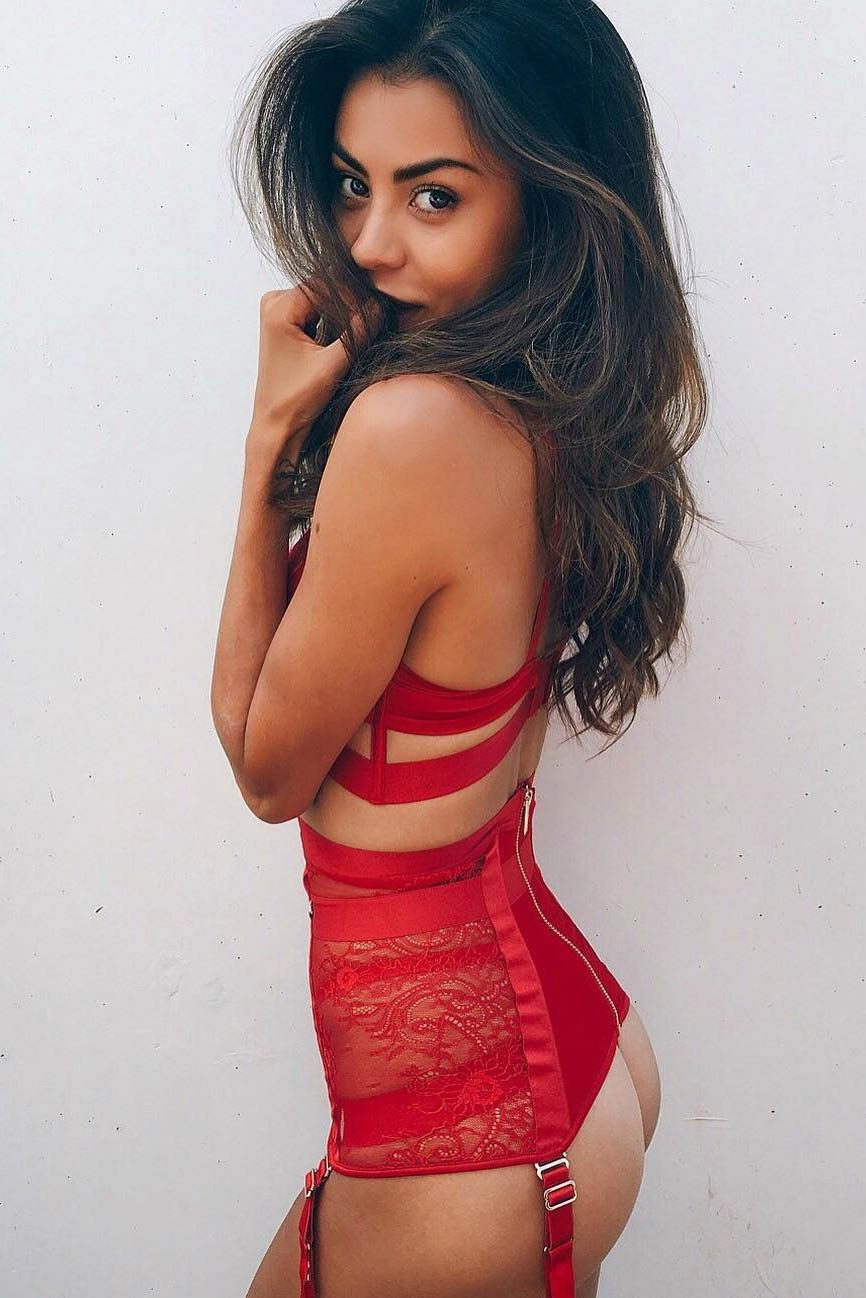 Model Xenia